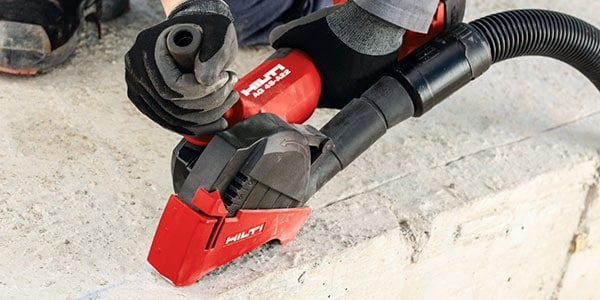 The AG 4S-A22 includes a fast blade stop which contributes to job site safety